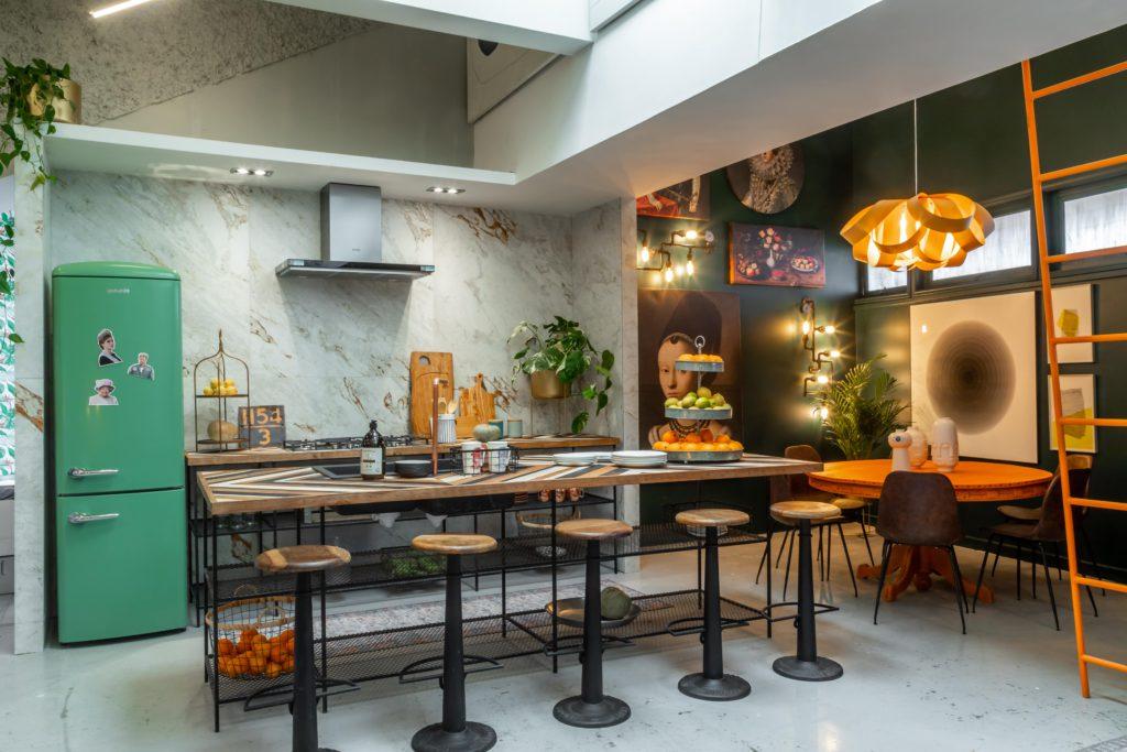 Lámpara de diseñador en un Loft neoyorquino de un artista, espacio 10 de Casa Foa Chile.